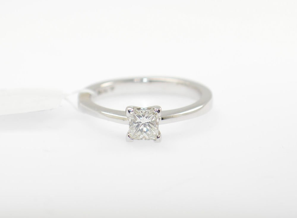 Real Solitaire Princess Cut Diamond Engagement Ring in18k White Gold Hallmarked