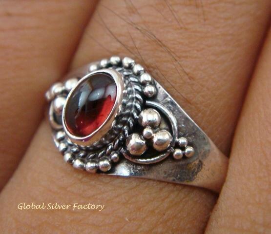 Sterling Silver Garnet Cabochon Ring RI-283-KT