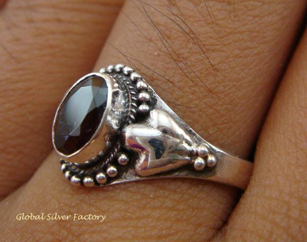 Sterling Silver Garnet Gemstone Ring RI-279-KT