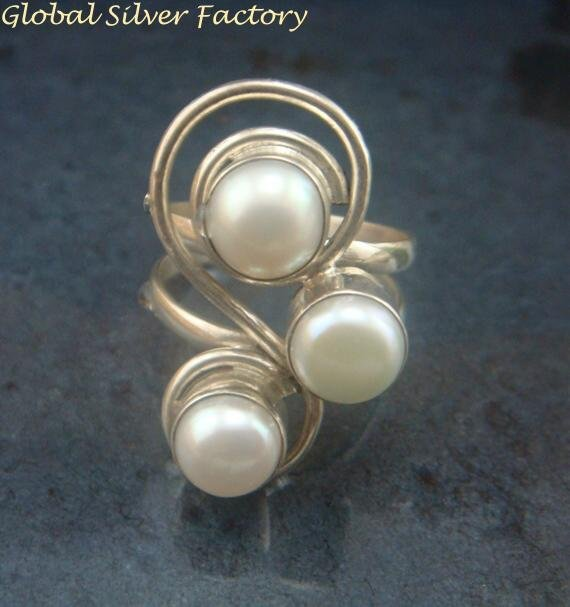 One Only Sz 8 Sterling Silver & Pearl Gemstone Ring RI-474-KT