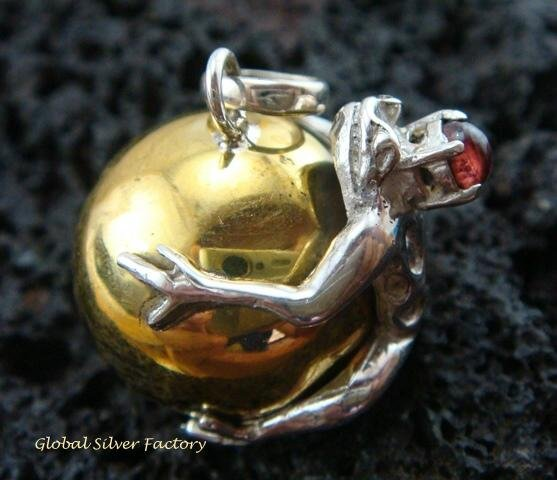 925 Silver Garnet Frog 20mm Chime Ball Pendant CH-316-KT