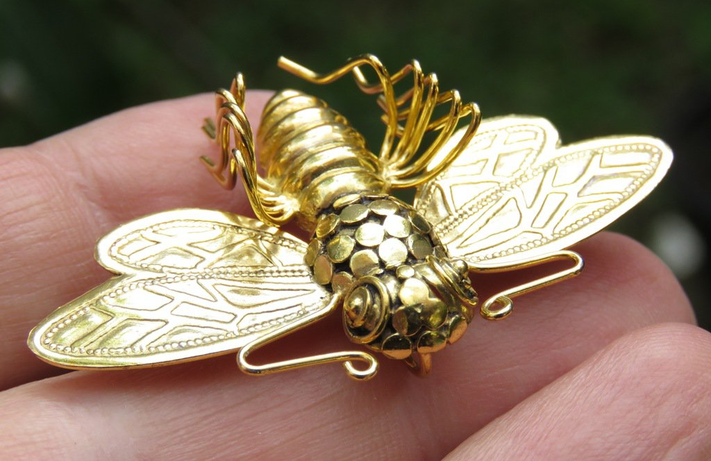 18k Gold Bumble Bee Brooch Pendant BC-191