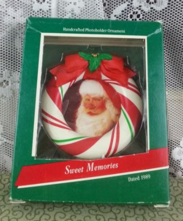 Vintage 1989 Keepsake Handcrafted Photoholder Ornament - Sweet Memories