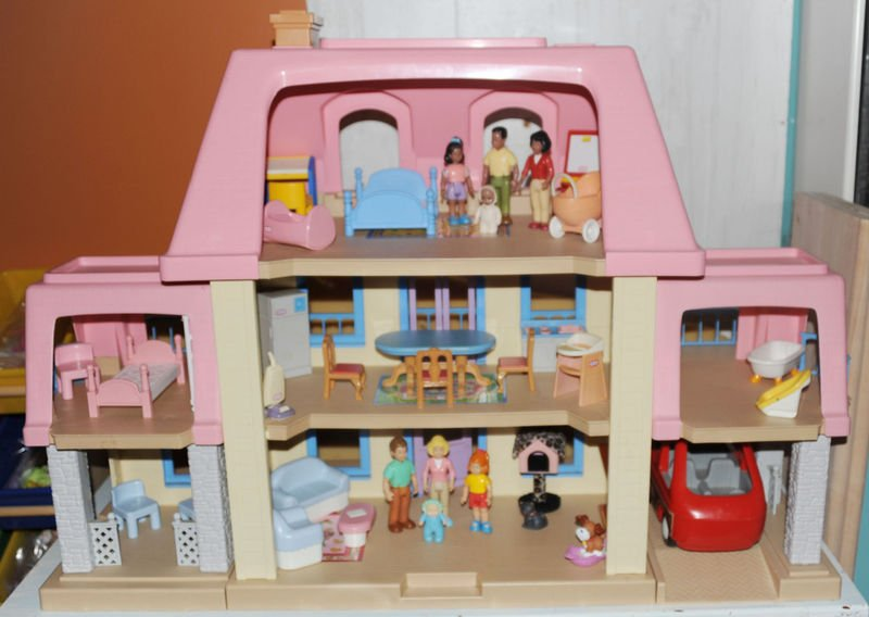 Superb Little Tikes Grand Mansion Vintage Dollhouse Loaded