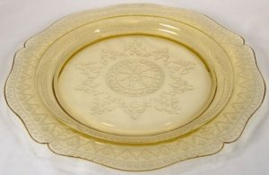 Federal Amber Patrician Dinner Plate