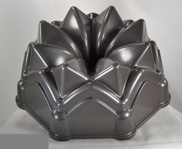 Crofton Crown Bundt Cake Pan