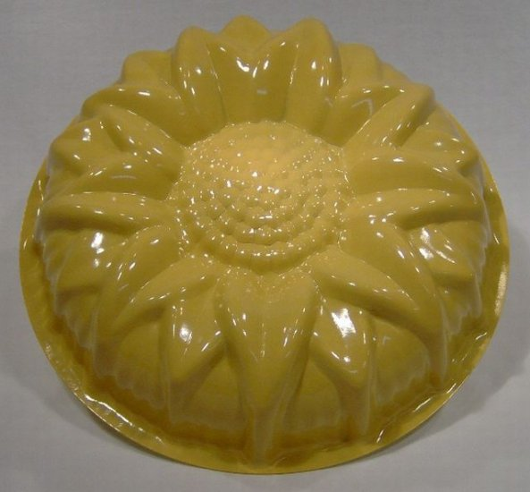 Nordic Ware Sunflower Cake Pan