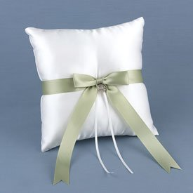 """Irish Heritage"" Ring Pillow w/ Claddagh Charm"