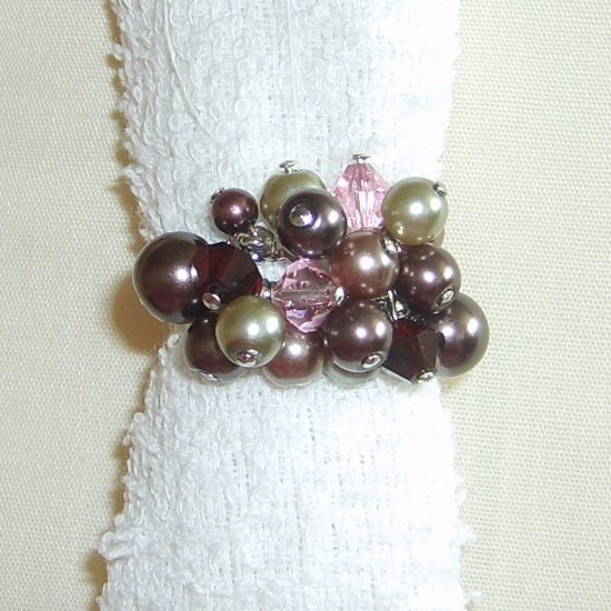 Pearls & Crystals ring (adjustable width)