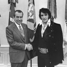 New 5x7 Photo: Elvis Presley & President Richard Nixon at the While House, 1970