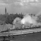 New 5x7 World War II Photo: QUEEN MARY Brings Troops Home, New York Harbor