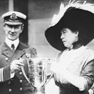 New 5x7 Photo: Unsinkable Molly Brown Gives Award to CARPATHIA Captain