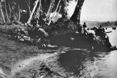 New 5x7 World War II Photo: Landing operations on Rendova Island, Solomons