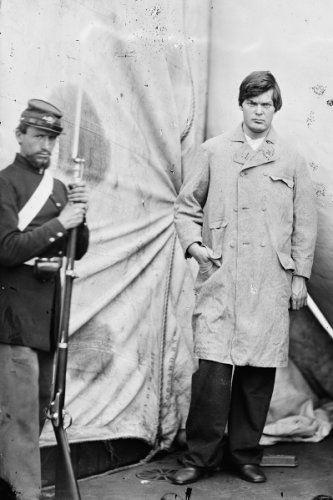 New 5x7 Photo: Lincoln Conspirator Lewis Powell (Payne) with Guard