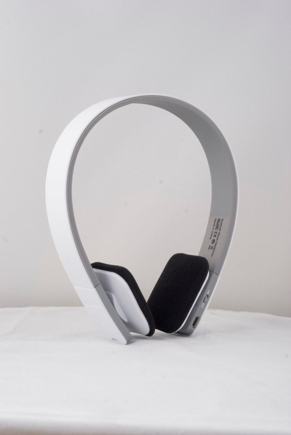 New Wireless Stereo Bluetooth Headphon for Mobile Cell Phone Tablet-Laptop White