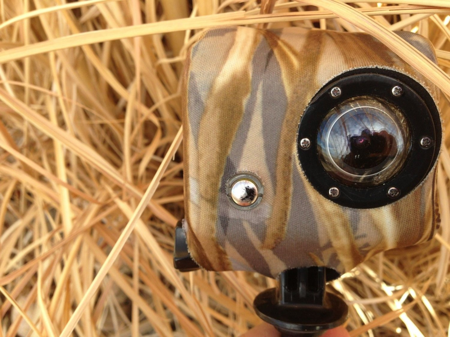 New Camo Cover for GoPro 1 and 2 Floating Case Flooded Timber Great Pattern