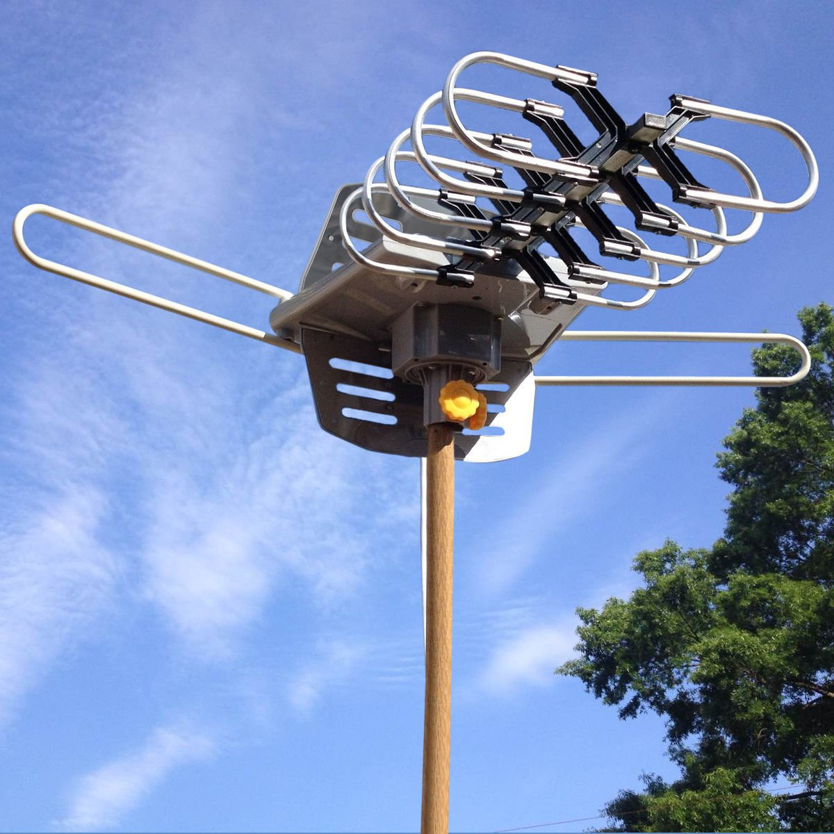 HDTV 1080P Outdoor Amplified Antenna Digital HD TV 150 Mile 360 Rotor UHF-VHF-FM