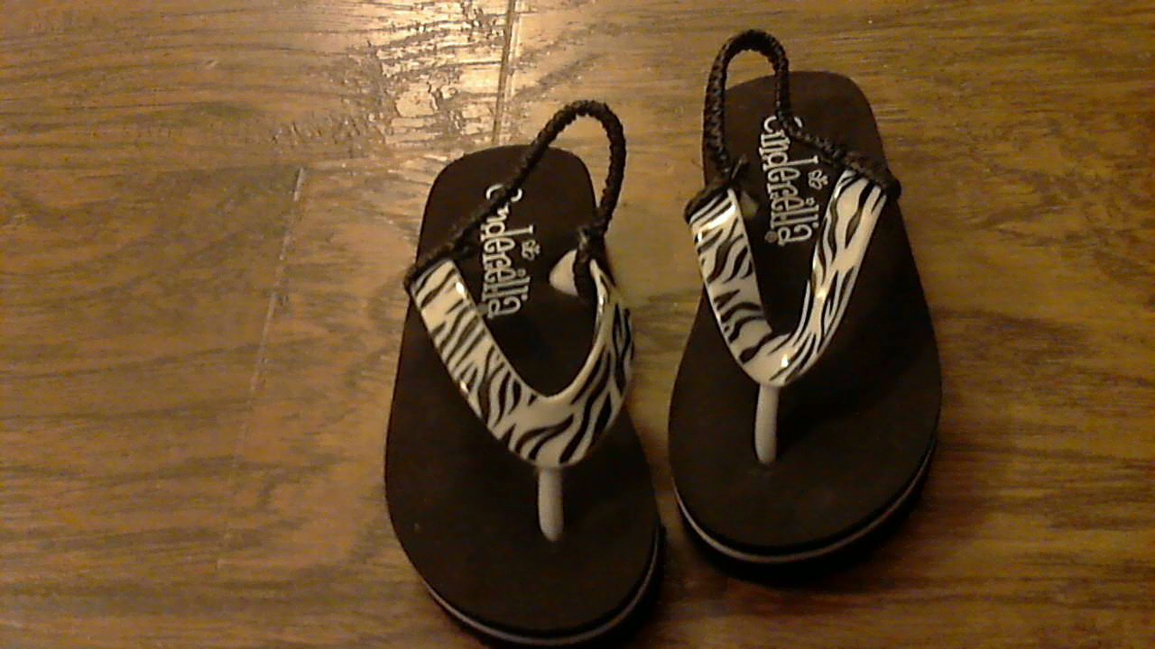 Cinderella toddler girl's black zebra thong flip flops size 7