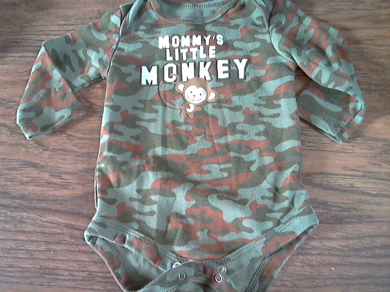 Faded Glory baby boy's green camo long sleeve bodysuit 3-6 mos