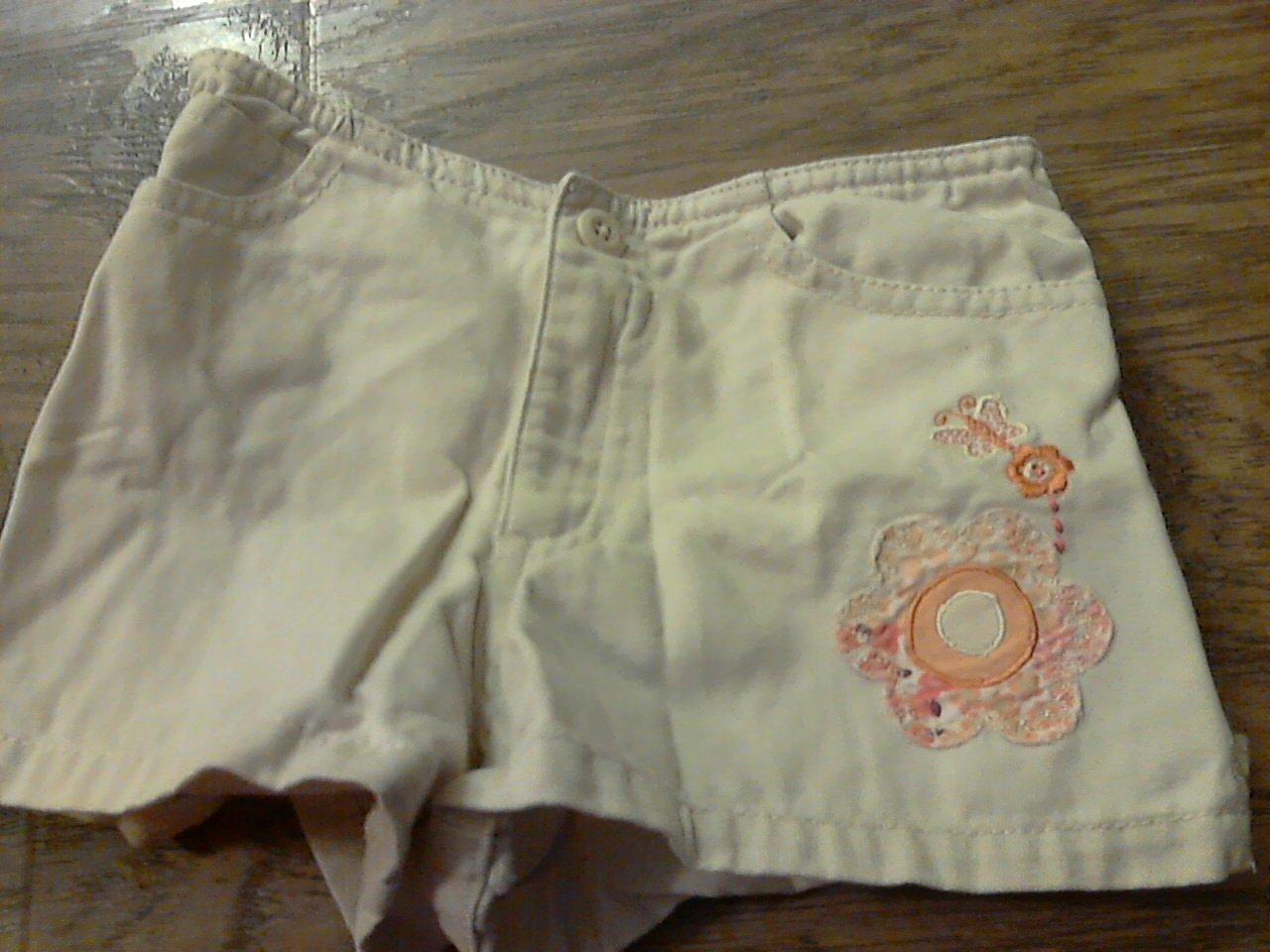 Old Navy baby girl's khaki short 18-24 mos