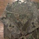 Man's green camo long sleeve shirt size 42-44