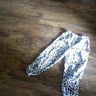 Wonder Kids girl's black leopard elastic pant size 4T