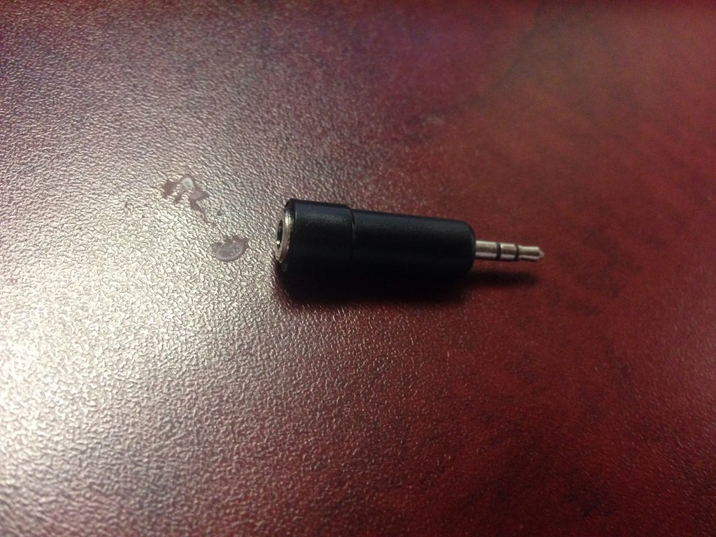 Audio out plug connector