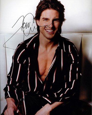 Tom CRUISE Robe Autographed Preprint Signed Photo