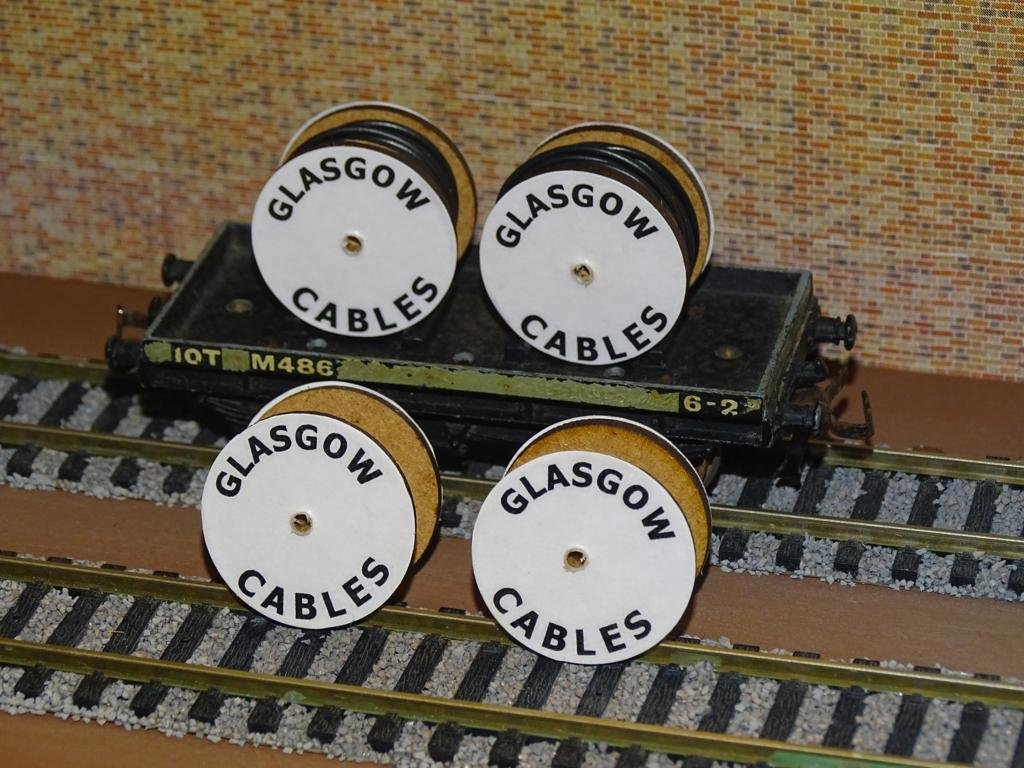 Glasgow Cable Drums OO Gauge Set of 4 + FREE Bolted Pack Wagon Loads #2036