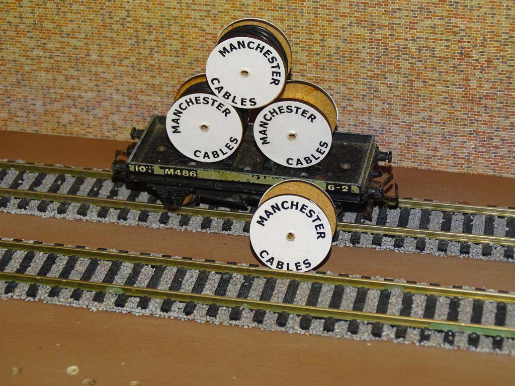 Manchester Cable Drums OO Gauge Set of 4 + FREE Bolted Pack Wagon Loads #2038