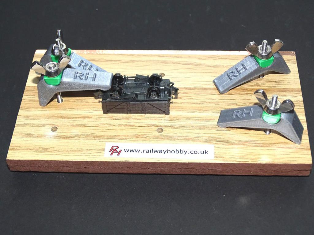 Holding Stand N Gauge Type 2 for Clamping Models Plus FREE extra Clamp #2023