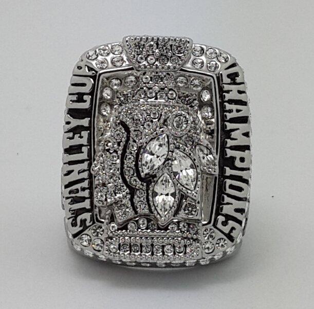 2010 Chicago BlackHawks Hockey championship ring size 11 US