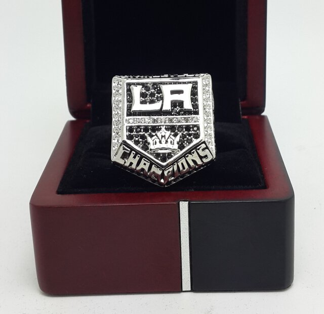 2014 Los Angeles La Kings NHL Ring Hockey championship ring size 11 US with wooden box