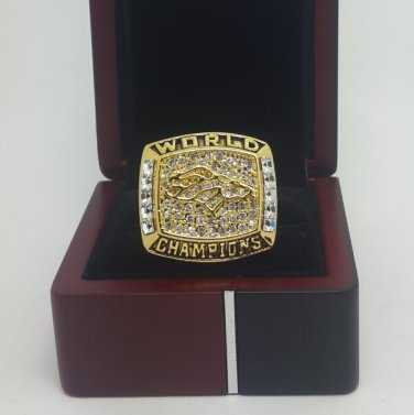 1997 Denver Broncos XXXII super bowl championship ring size 11 US With wooden box