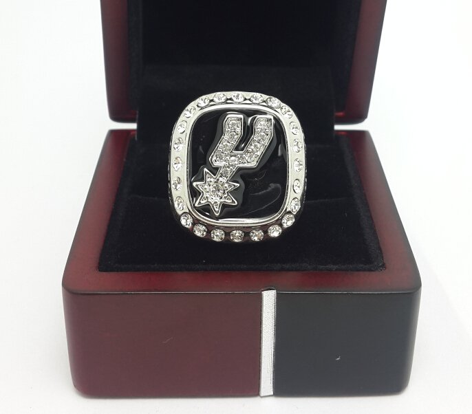 1999 San Antonio Spurs Basketball Championship ring replica size 10 US  with wooden box