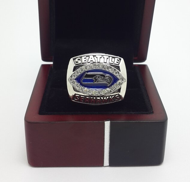 2005 Seattle Seahawks NFC National Football Championship ring size 9-13 US with wooden box