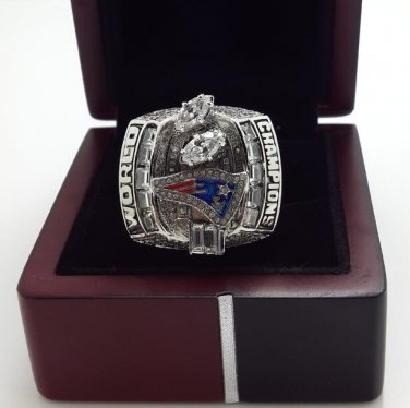 2003 New England Patriots XXXVI super bowl championship ring size 8-14 US With wooden box