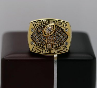 2002 Tampa Bay Bucaneers super bowl championship ring size 8-14 US With wooden box