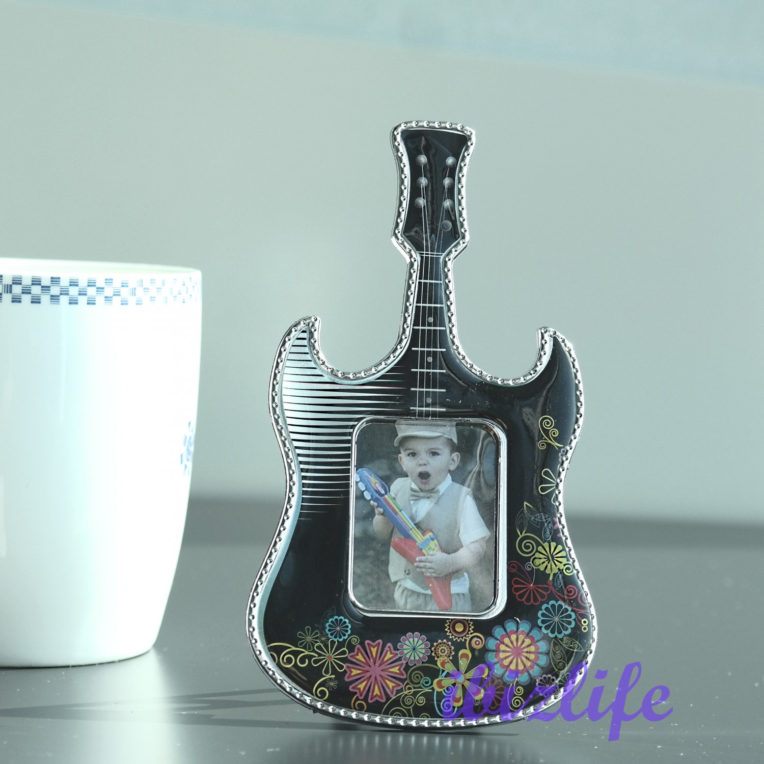 """Cute Lovely Mini Guitar Plastic Photo Picture Frame with opening 1-1/5"""" x 1-1/2""""   PF09"""
