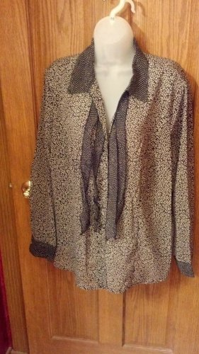 Women's casual dress blouse, size 3X black/gray leaf print design