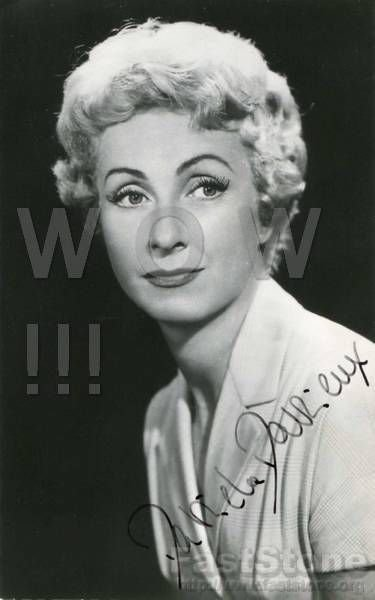 Gorgeous DANIELLE DARRIEUX Signed Autograph 8x10 inch. Picture Photo REPRINT