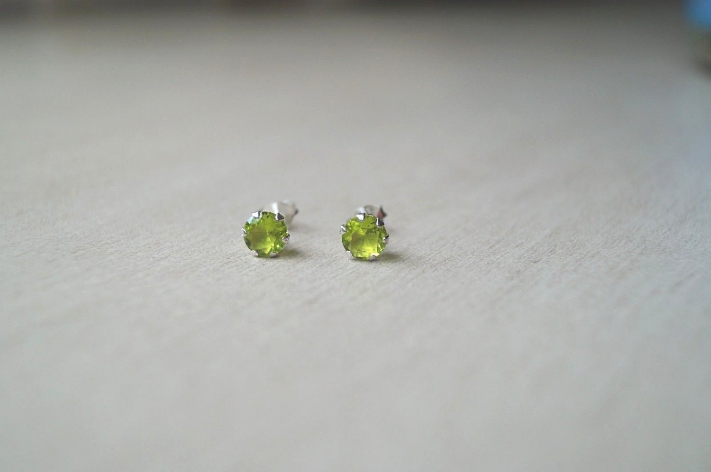 6mm High Quality Grade AAA Green Peridot CZ Sterling Silver 925 Stud Earrings