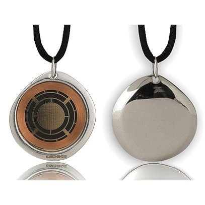 Q-Link Pendant (silver) - Protects the body from damaging Electromagnetic Chaos!