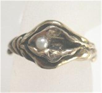 Silver YONI With Pearl Ring LESBIAN Gay Pride