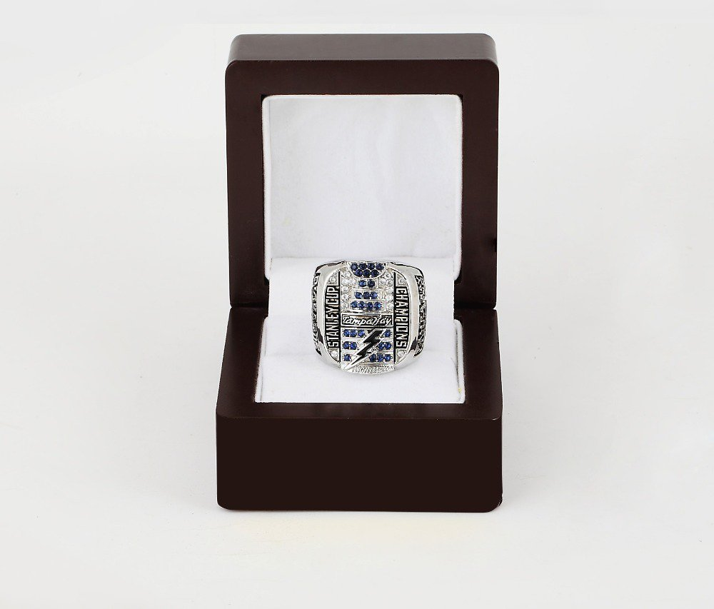 2004 Tampa Bay LIGHTNING NHL CHAMPIONSHIP RING 10-13 size +wooden case