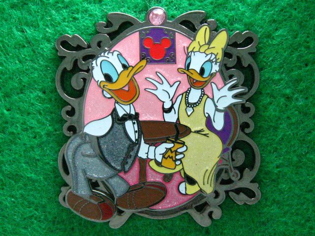 Disney Pin HKDL 2009 Night Banquet - Donald & Daisy