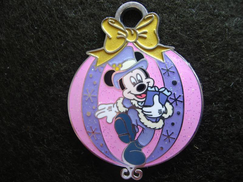 Disney Pin HKDL Christmas 2007 - Mickey in X'm Ornament