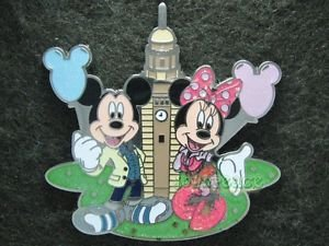 91515 Disney Pin 2010 HKDL - Mickey Minnie in Front of Clock Tower