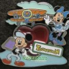 85262 Disney Pin 2009 HKDL - ToonTown Mickey & Minnie Heart Arrowed