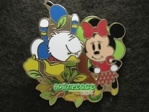 91517 Disney Pin 2007 HKDL - Donald Scared by Crocodile with Minnie